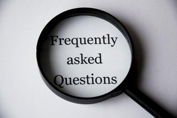 Lupe & FAQs – Fragen und Antworten rund um die Parkplatzbuchung