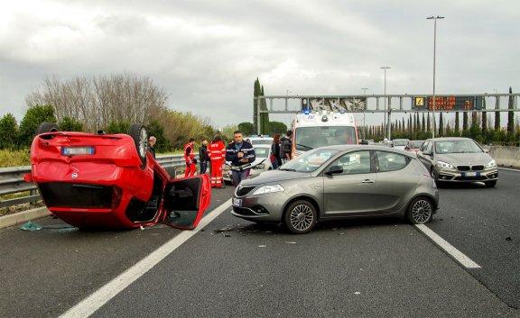 Schwerer Autounfall auf Autobahn